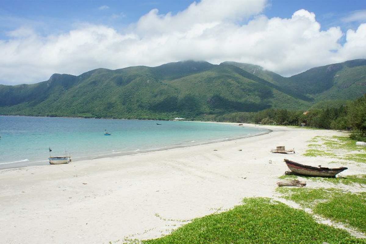 Vietnam/Plyazh-ostrova-Kondao.jpg