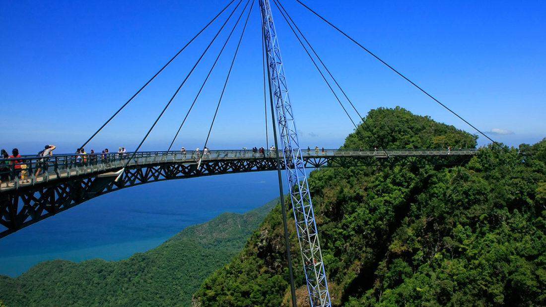 extreme/skywalks_0007_Langkawi-Sky-Bridge_-RWABF.jpg